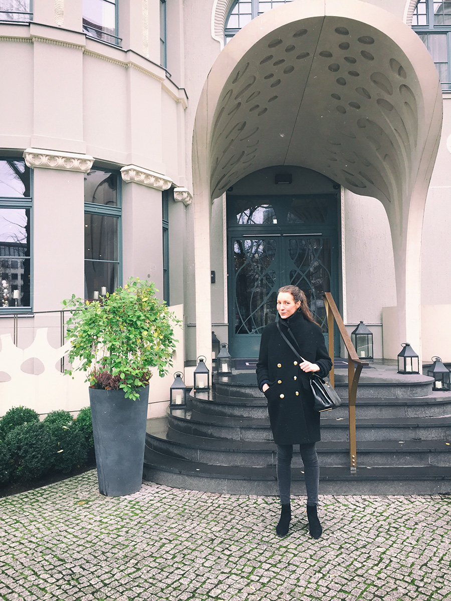 ari_hotel