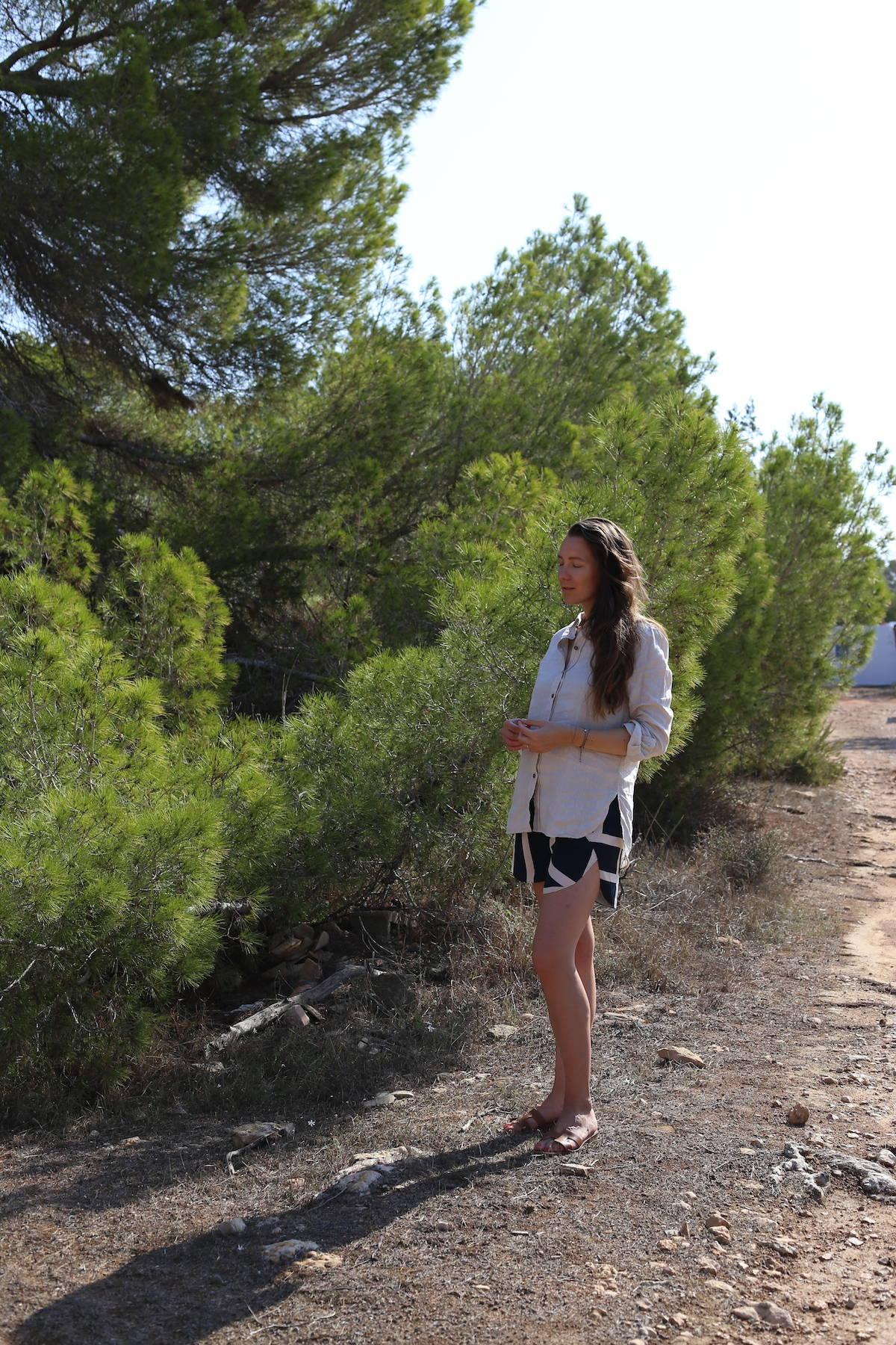 ari_traegt_toteme_nyc_shorts4
