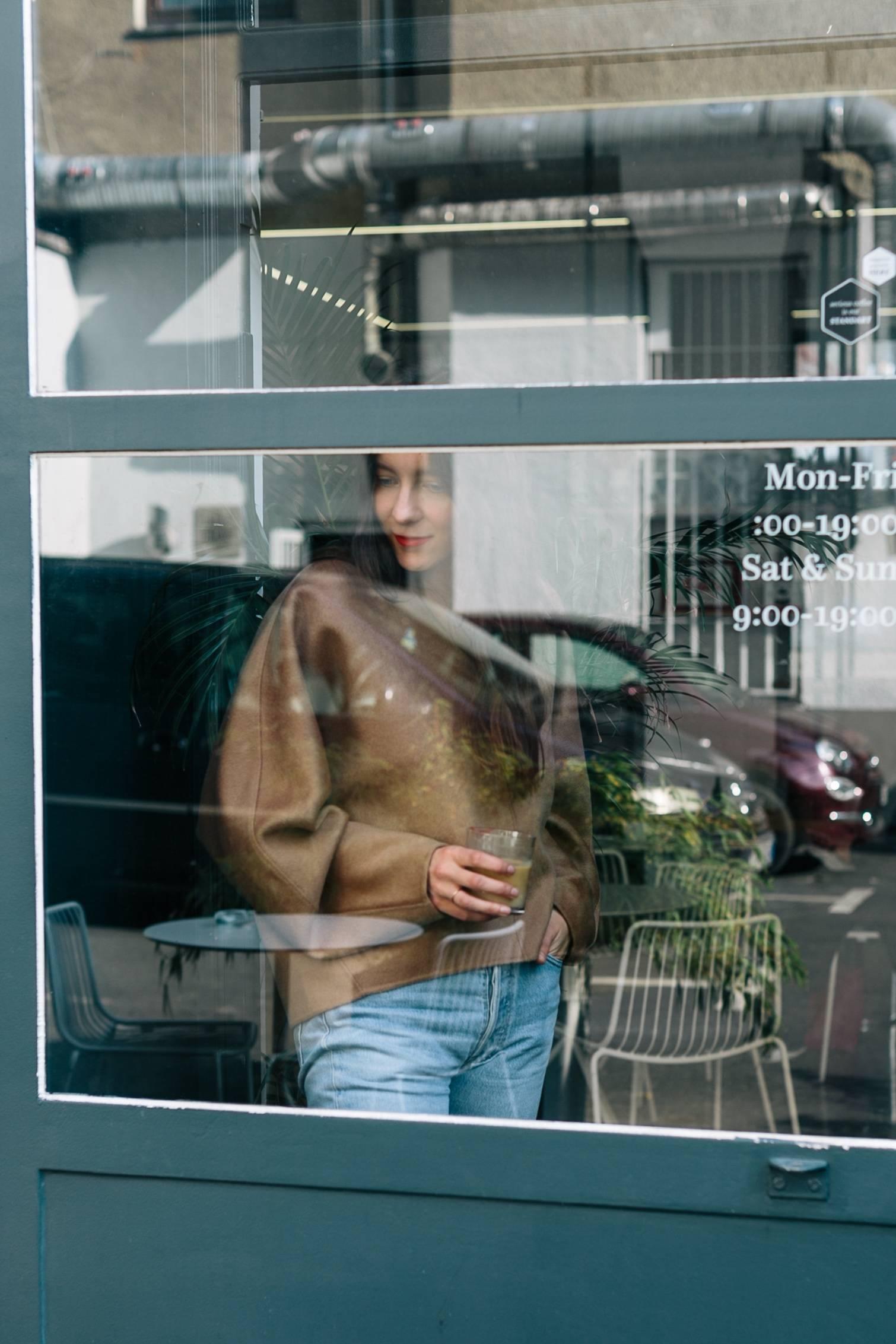 ari_toteme_sweater_8