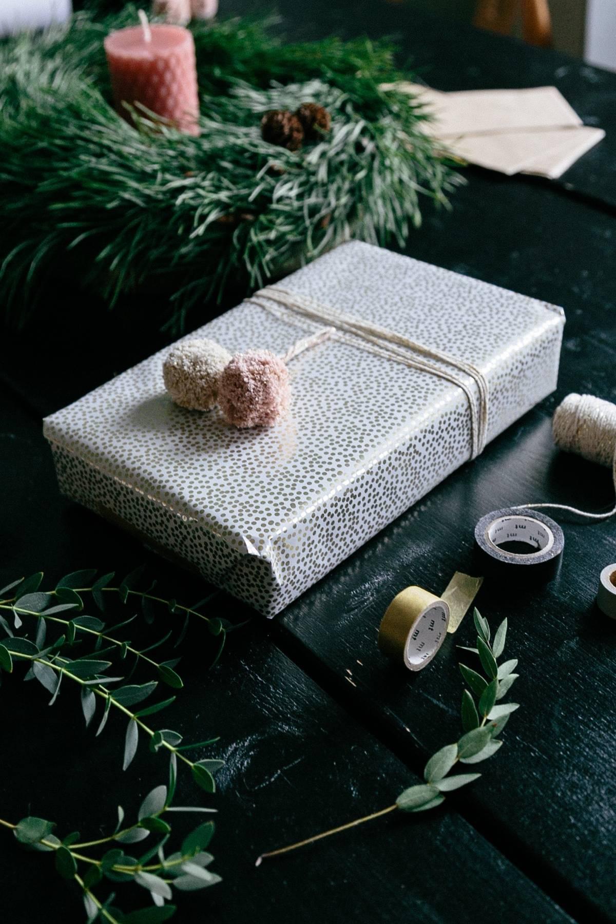 etsy_xmas_header_gift