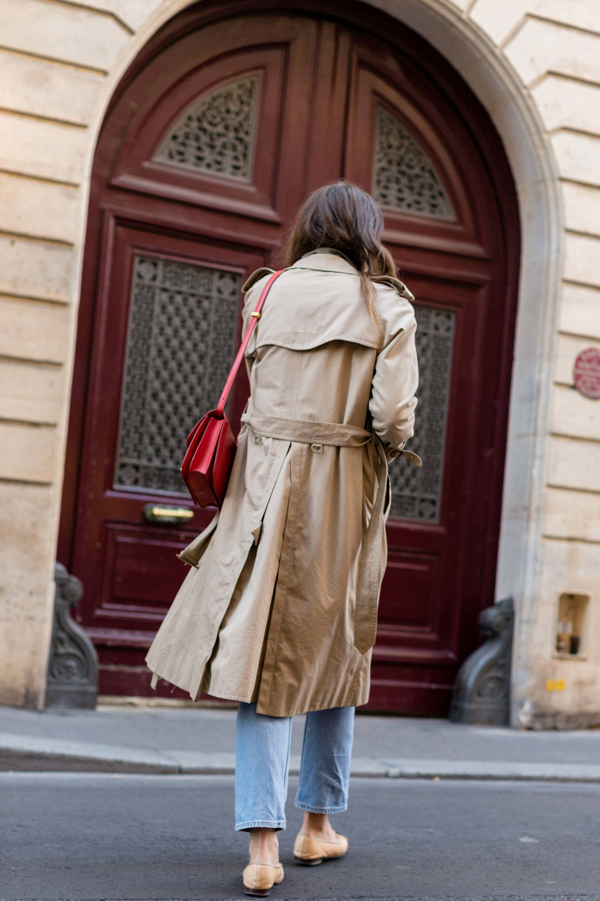 ari_paris_red_celinebag_trench10