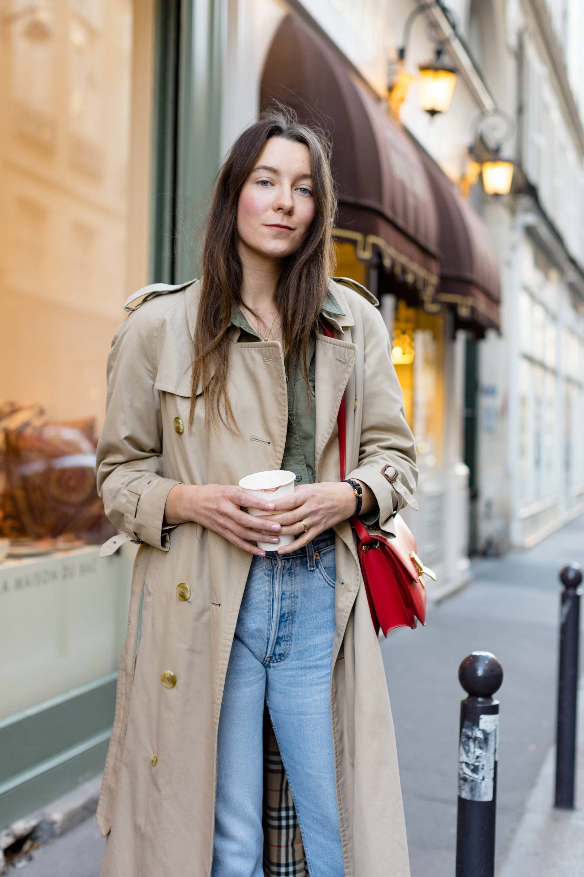 ari_paris_red_celinebag_trench2