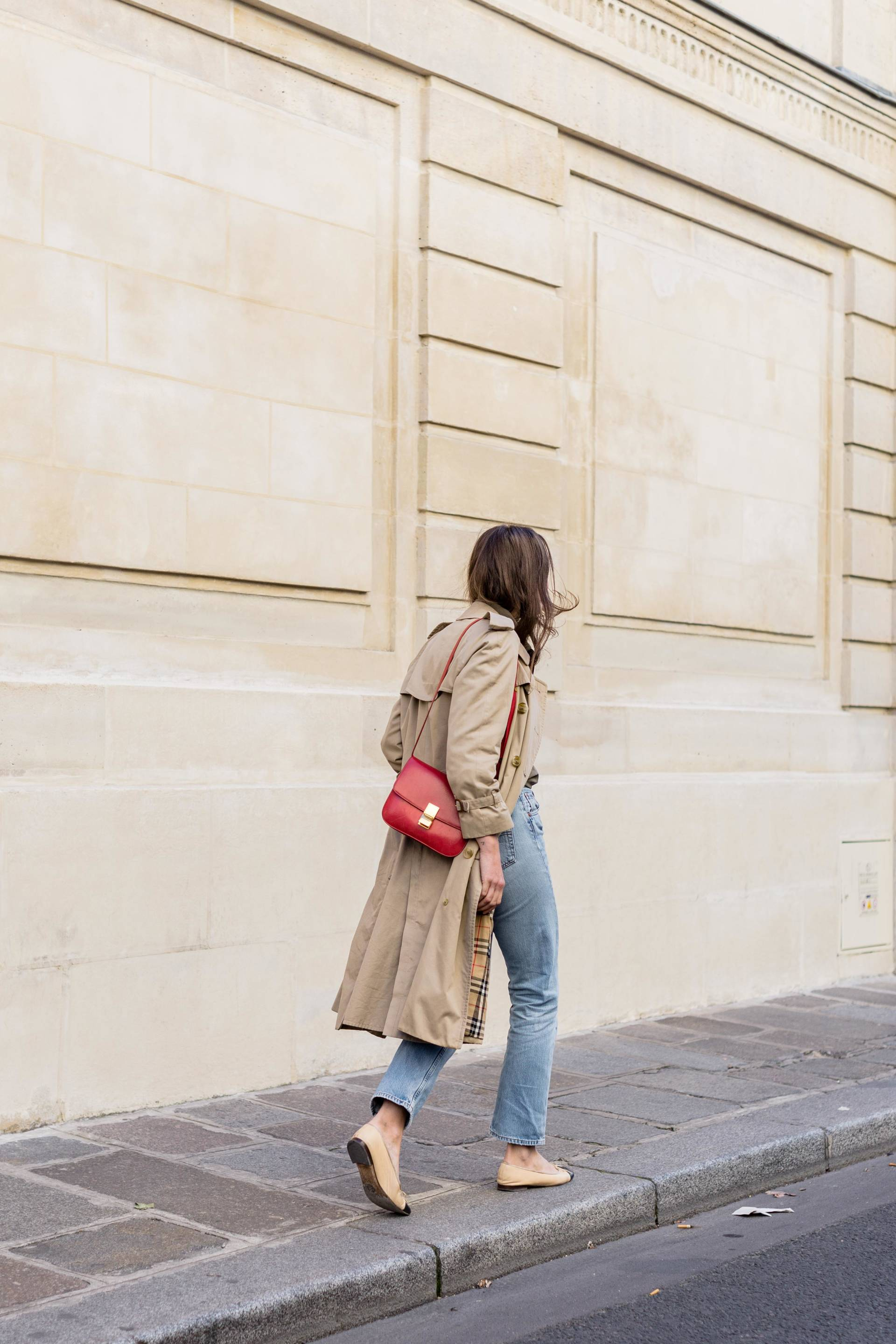 ari_paris_red_celinebag_trench5