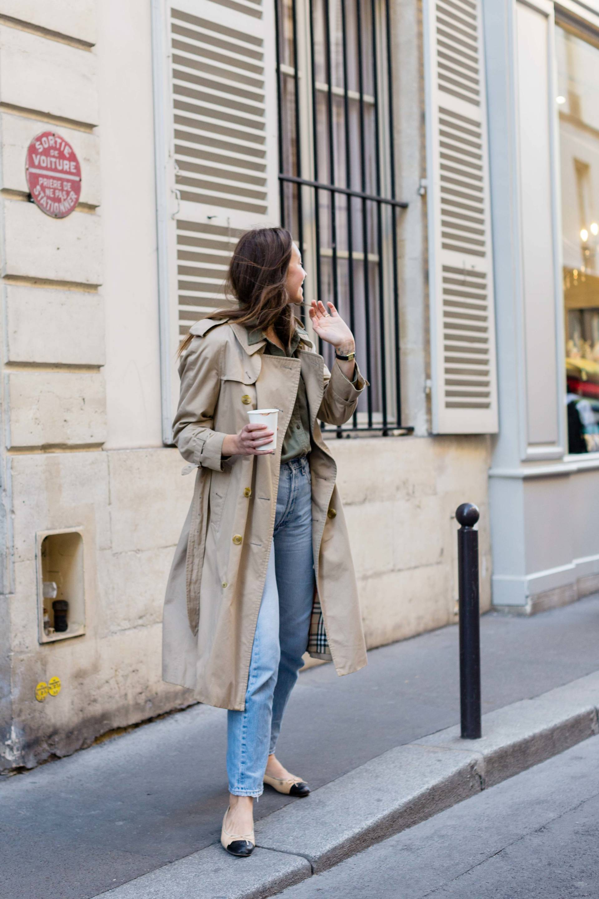 ari_paris_red_celinebag_trench9